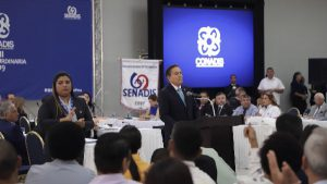 Foto del Presidente de la República hablando durante el evento