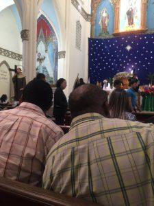 Funcionarios en misa conmemorativa del día de discapacidad